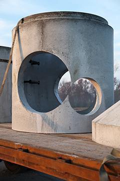 minnick-precast-concrete-Manholes